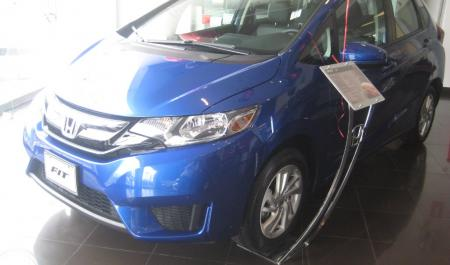 Honda Fit                                       2015  a solo US$ 15.900