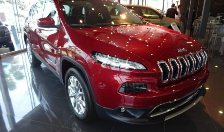 Jeep Cherokee Limited                                       2016  a solo US$ 49.990