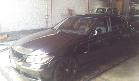 BMW 330i                                       2006  a solo US$ 14.800