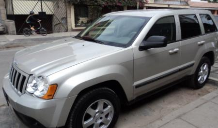 Jeep Grand Cherokee Laredo                                       2007  a solo US$ 12.800