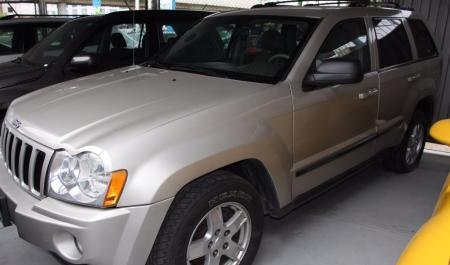 Jeep Grand Cherokee Laredo                                       2006  a solo US$ 13.500