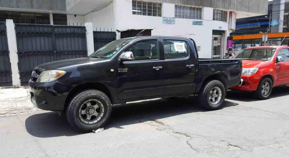 Toyota Hilux Cd 4x2 2008 Quito