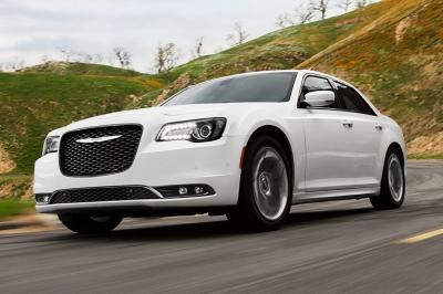 Chrysler 300 Vs Lincoln Mkz