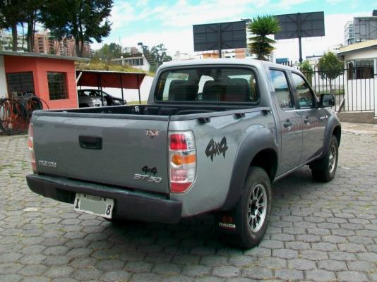 CD 4x4 Diesel 2014 Camioneta Doble Cabina en Quito - PATIOTuerca.com