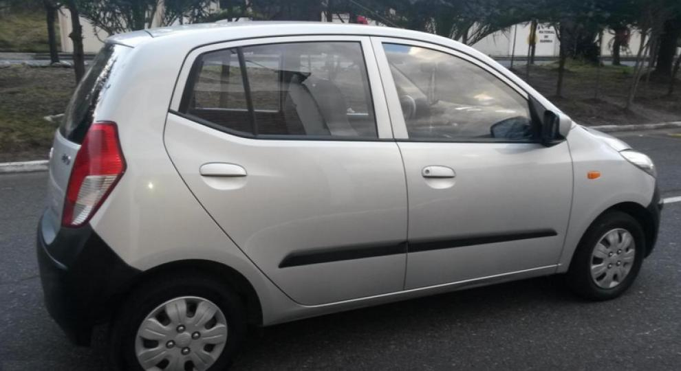 hyundai i10 2010 hatchback 5 puertas en quito pichincha. Black Bedroom Furniture Sets. Home Design Ideas