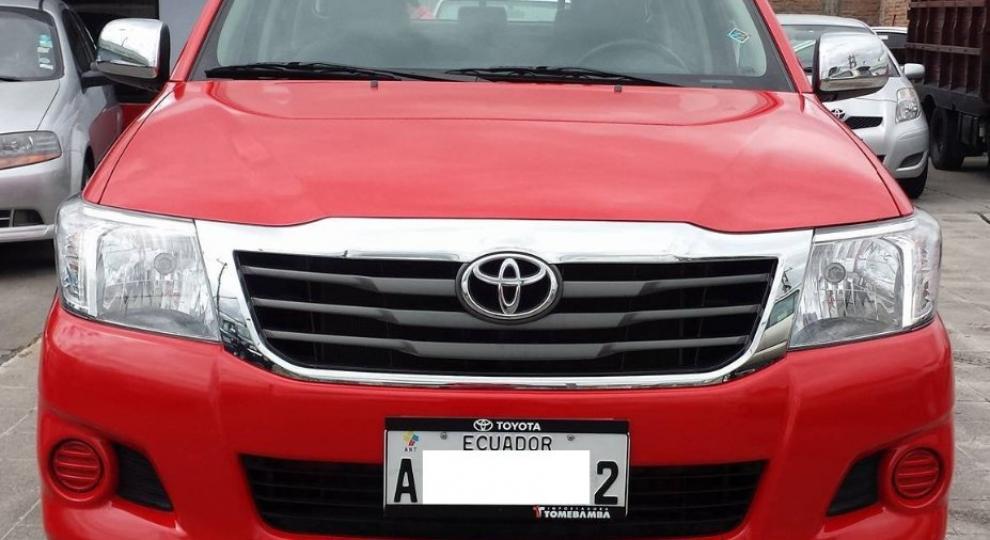 toyota hilux cd 4x2 2014 camioneta doble cabina en cuenca azuay 2014