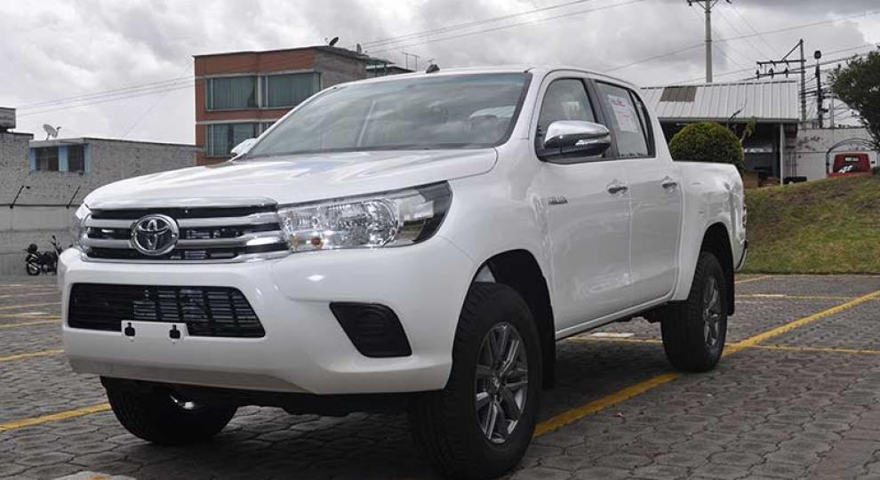 Toyota Hilux Cd 4x4 2016 Camioneta Doble Cabina En Quito