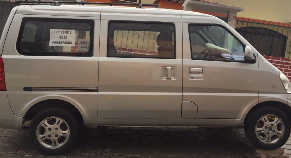 Chevrolet N300 2012 Van Pasajeros en Quito, Pichincha-Comprar usado en