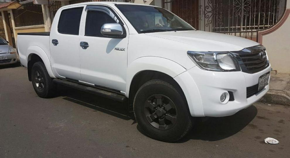 toyota hilux sr5 2014 camioneta doble cabina en santa rosa el oro comprar usado en patiotuerca. Black Bedroom Furniture Sets. Home Design Ideas
