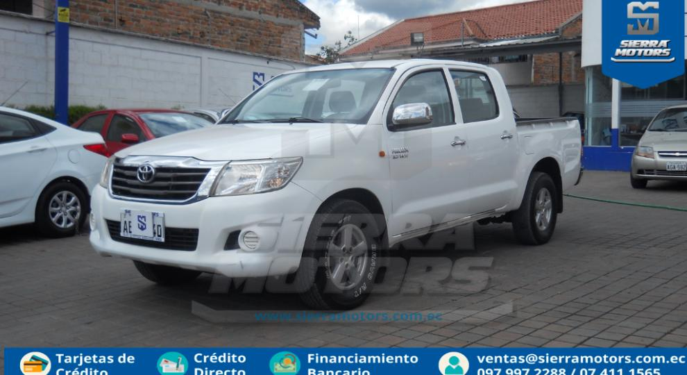 cb45416a9 Toyota Hilux CD 4x2 2013 Camioneta Doble Cabina en Cuenca, Azuay ...