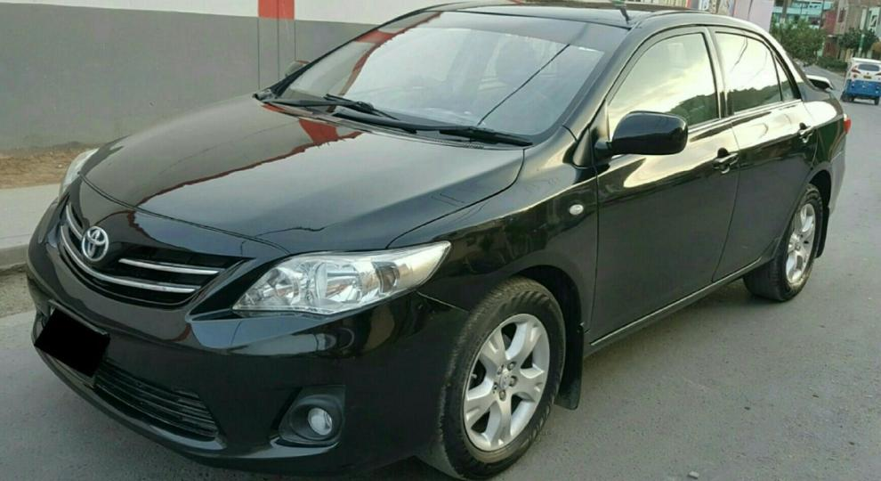 toyota corolla 2011 hatchback 5 puertas en puente piedra. Black Bedroom Furniture Sets. Home Design Ideas