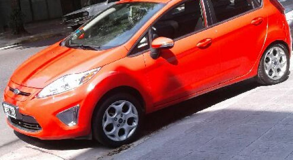 Ford Fiesta Kinetic 2013 Flores