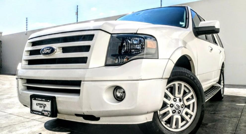 Ford Expedition Max  Acambay